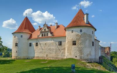 Bauske castle .