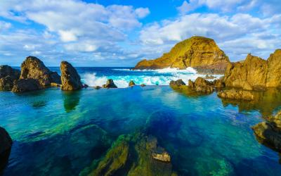 Madeira   Natural volcanic lagoon pools at Porto Moniz