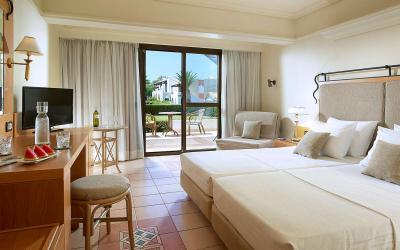 graikija-kreta-aldemar-royal-beach-resort-kambarys