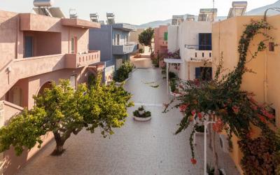 graikija-kreta-Evina-rooms-villas-teritory