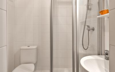Nidus (Bathroom)