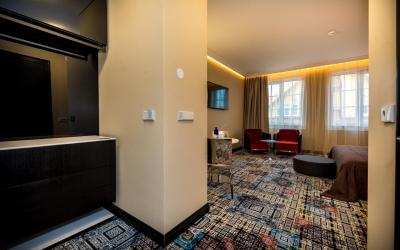 Amsterdam Plaza (Standard room)