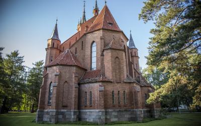 Druskininkų Švč. Mergelės Marijos Škaplierinės bažnyčia (aut.Gediminas Žilinskas)