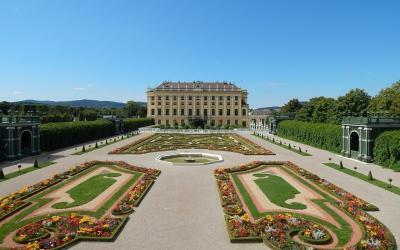 Austrija. Viena. Šonburno sodas