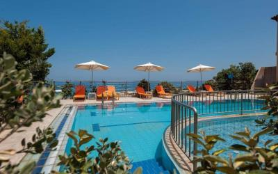 Graikija. Kreta. Sunrise Studios and Apartments.Baseinas