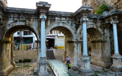 Turkija. Antalija. Hadriano vartai