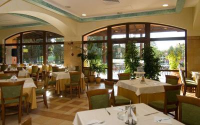 bulgarija-sunny-beach-Hrizantema-hotel-MainRestaurant