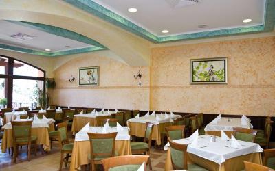 bulgarija-sunny-beach-Hrizantema-hotel-MainRestaurant1