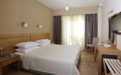Graikija. Peloponesas. Almira Hotel