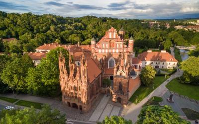 Šv. Onos ir Bernardinų bažnyčių ansamblis
