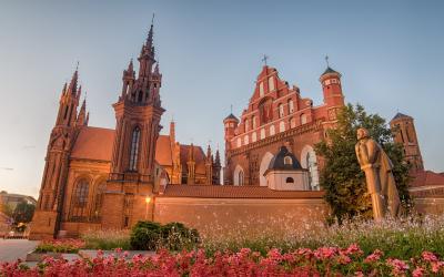 Šv. Onos ir Bernardinų bažnyčios