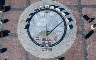 Goldape saulės laikrodis